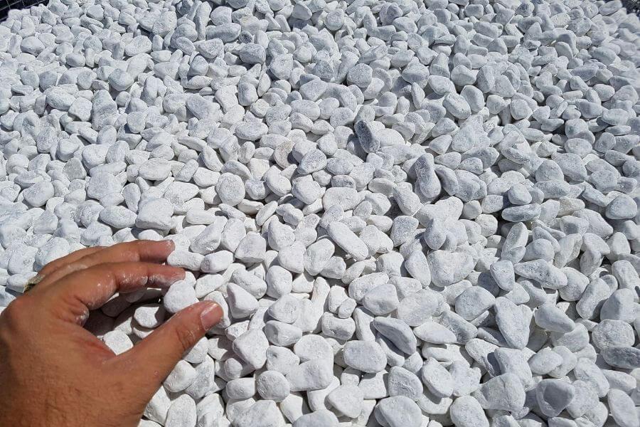 Ciottoli bianco carrara buste da kg 25 michele cioffi for Sassi bianchi da giardino prezzo