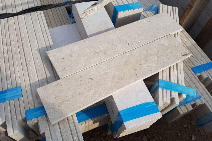 Zoccolino scale battiscopa bianco altezza standard with for Battiscopa leroy merlin
