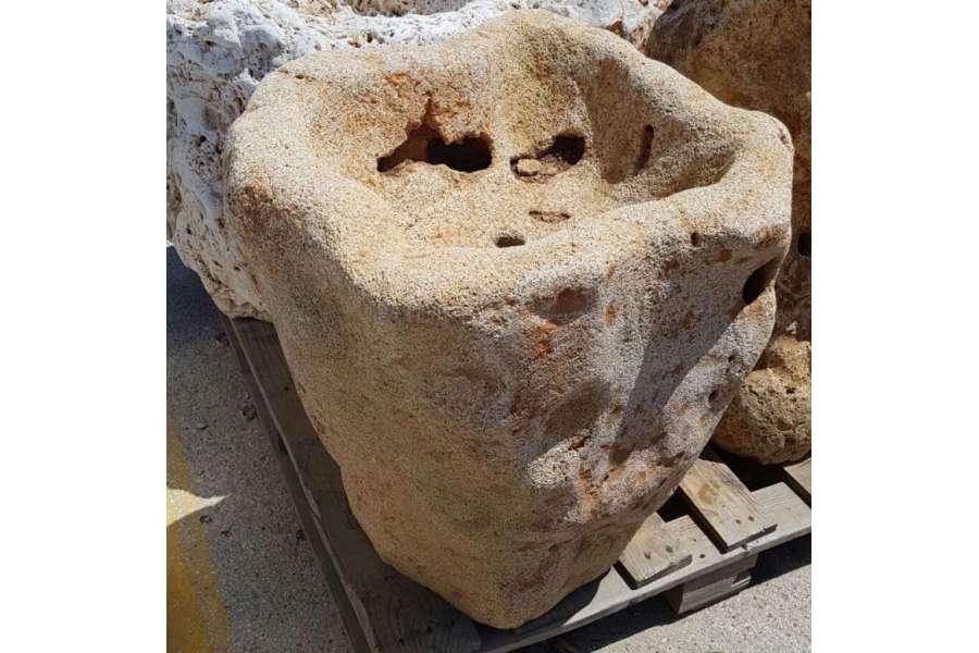 Fioriere in pietra medie michele cioffi figli s n c for Sassi per fioriere