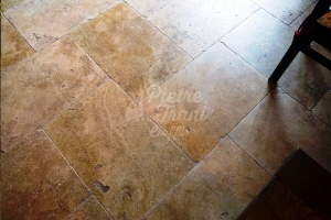 Marmette Anticate in Travertino Gold cm. 61x40,6x1,2