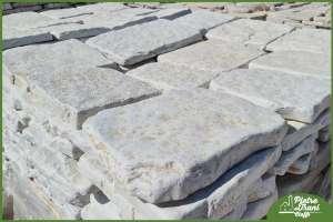 Piastrelle in Pietra di Trani Anticata sp. cm. 3-4