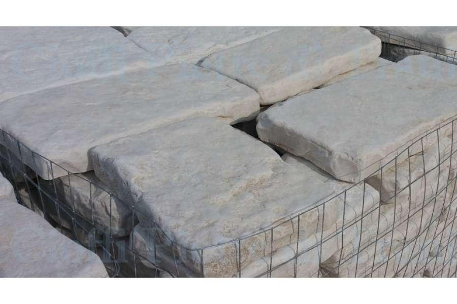 Piastrelle in pietra di trani anticata michele cioffi figli