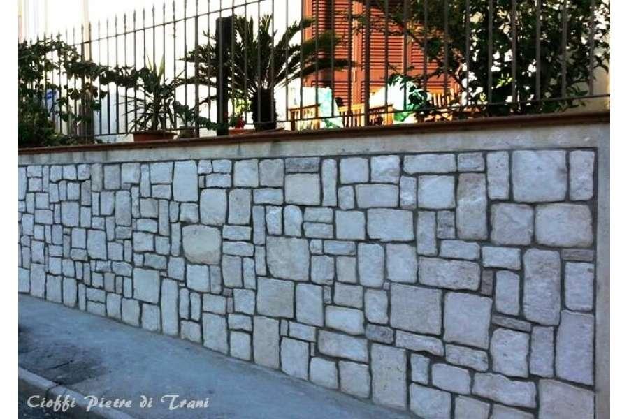 Piastrelle in pietra di trani anticata michele cioffi - Messa in opera piastrelle ...