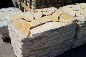 Pietre di trani offerte per pavimenti rivestimenti in for Pietre bianche da giardino costo