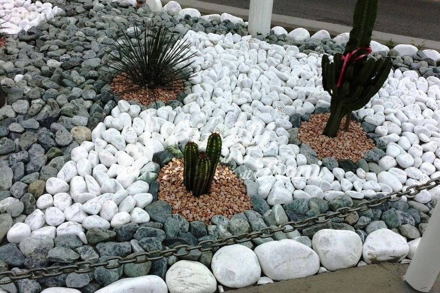 aiuole con pietre da giardino idee e consigli di stile
